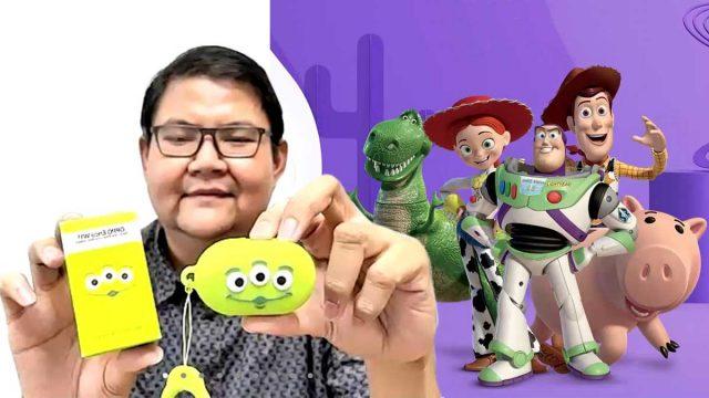 Enco W11 versi Toy Story