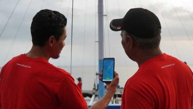 Telkomsel Serahkan Bantuan 10 Kapal di Pandeglang